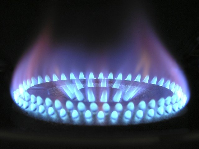 Image of a cooking gas hob flame on article student housing bills