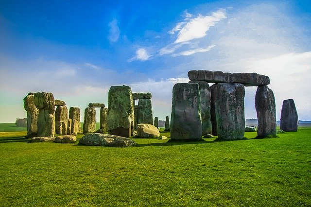 Image of stonehenge on article on why study in england