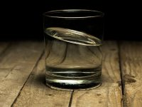 Image of a glass of water on how to deal with a hangover