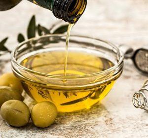 Image of olive oil on vegitarian lasagne recipe